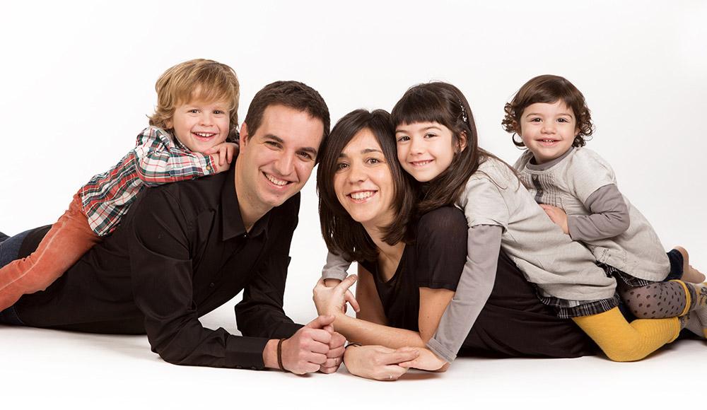 fotografia-nens-familia-tantinya-estudi-jordi-muntal-granollers-02