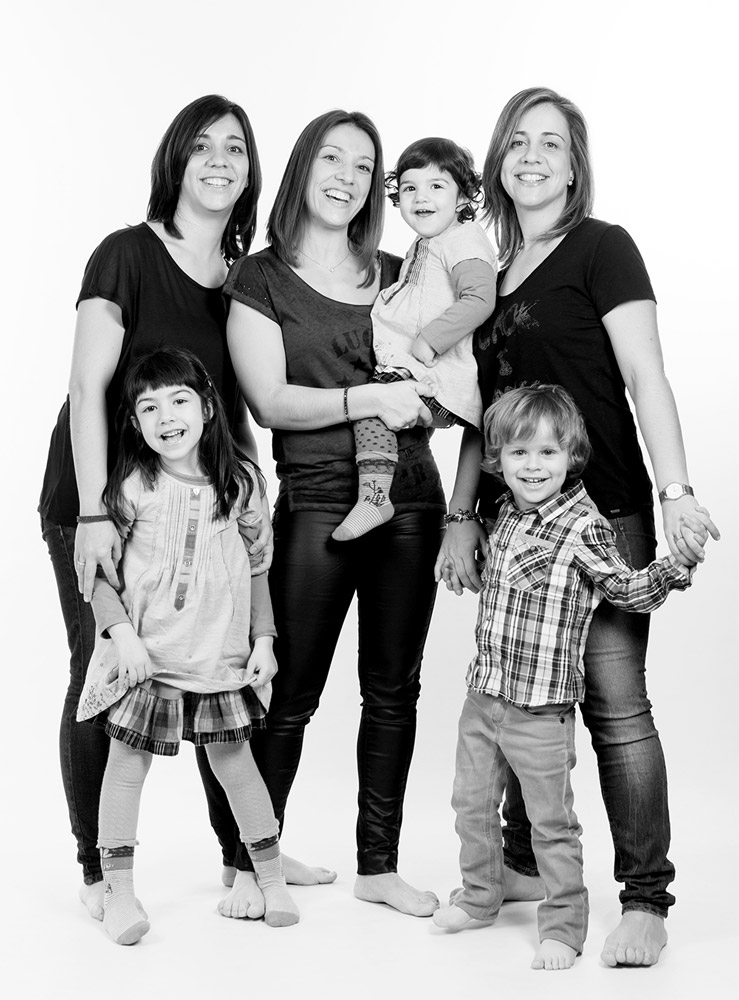 fotografia-nens-familia-tantinya-estudi-jordi-muntal-granollers-03