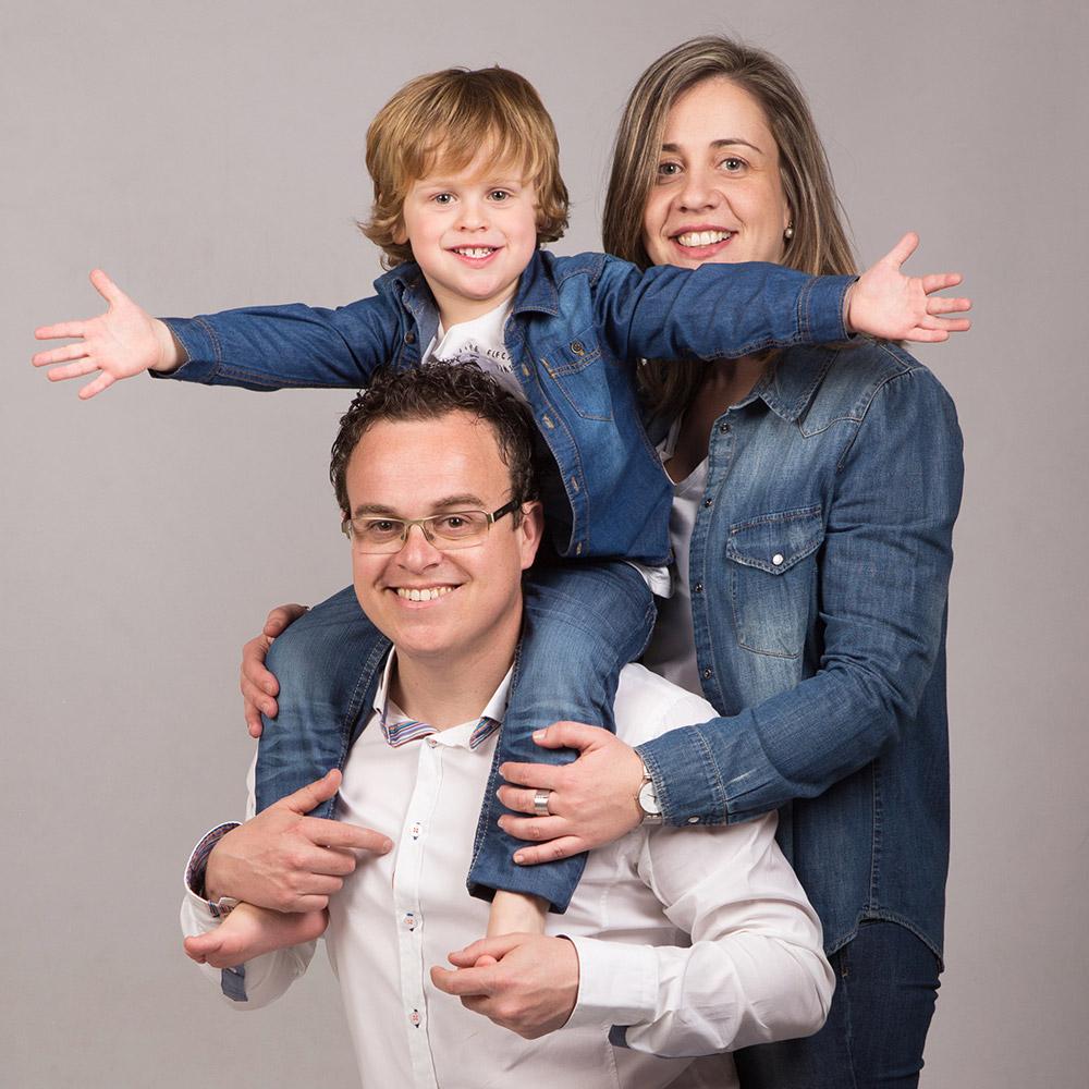 fotografia-nens-familia-tantinya-estudi-jordi-muntal-granollers-05