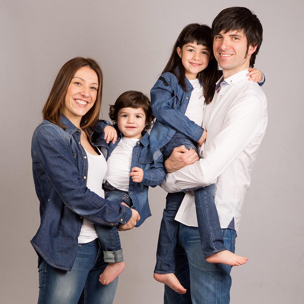 fotografia-nens-familia-tantinya-estudi-jordi-muntal-granollers-06