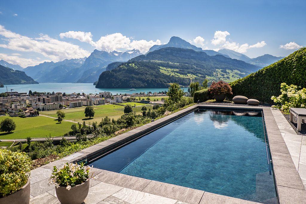 S'acosta l'estiu. Renolit Suïssa